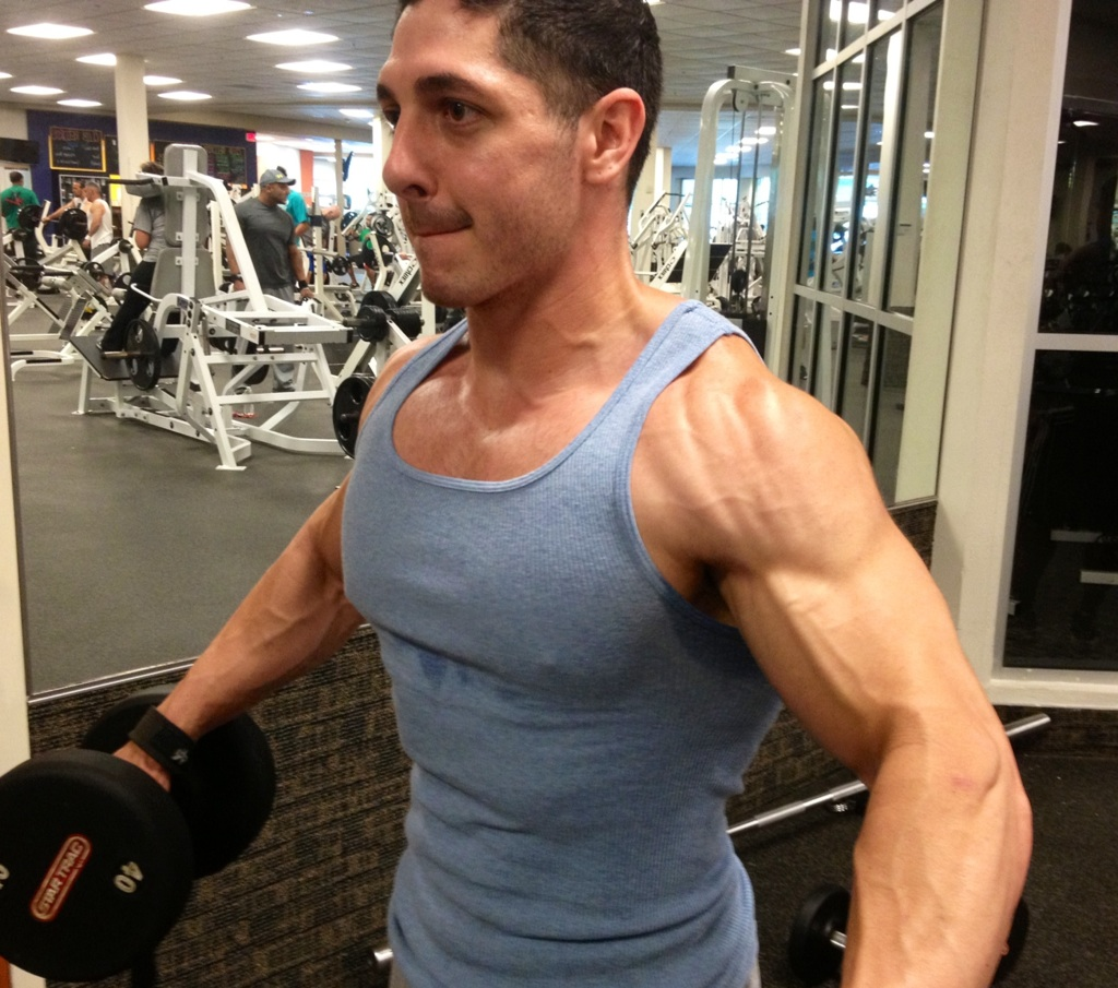 how to develop big shoulders and traps